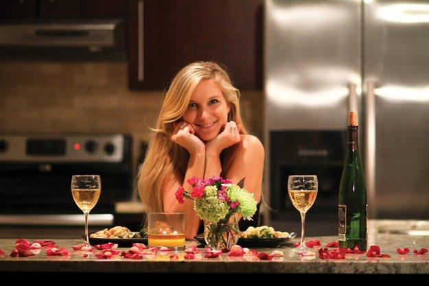 romantic couple dinner at home idea