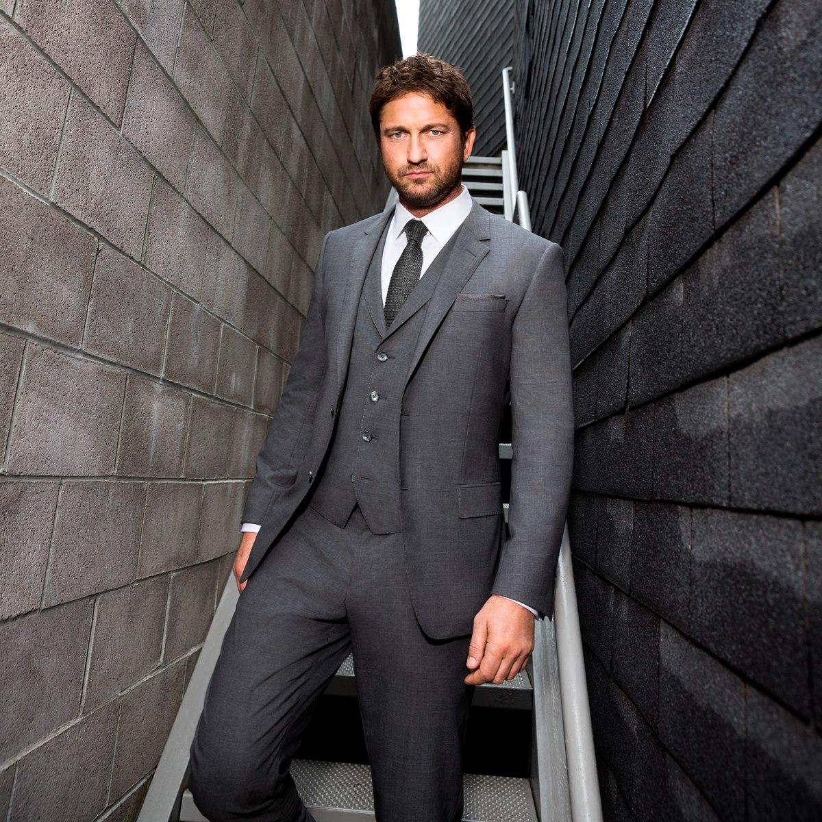 Gerard Butler Hugo Boss Suit 001