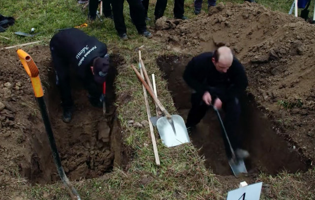 grave digging competition
