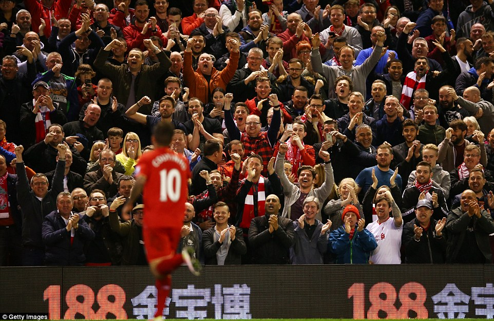 33604B5400000578 3550477 Coutinho a fans favourite at Anfield went over to the supporters a 30 1461194761162