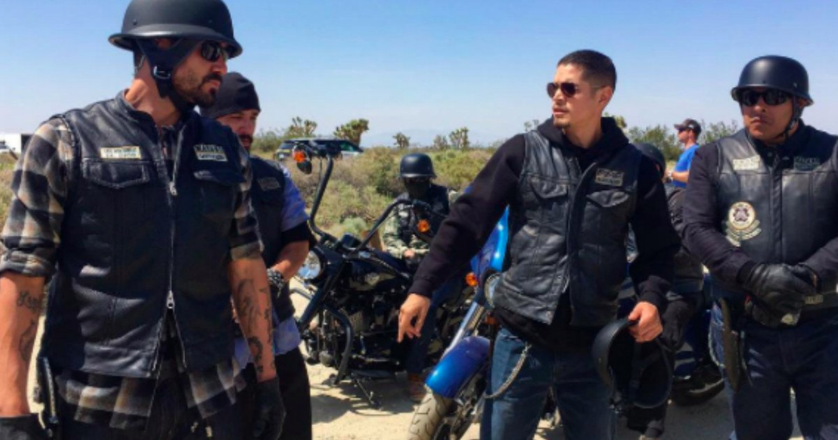 Mayans Mc Sons Of Anarchy Spin Off Set