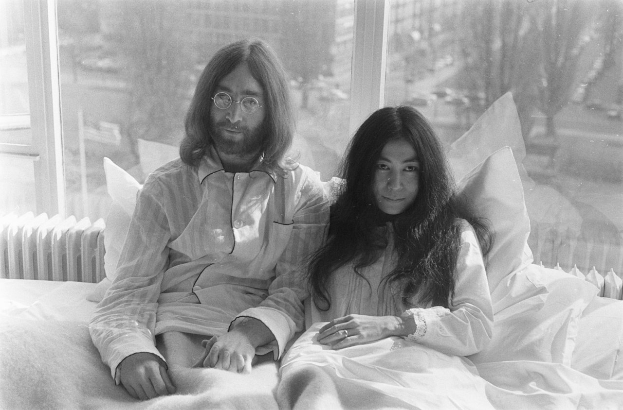 Bed In for Peace Amsterdam 1969 John Lennon Yoko Ono 03