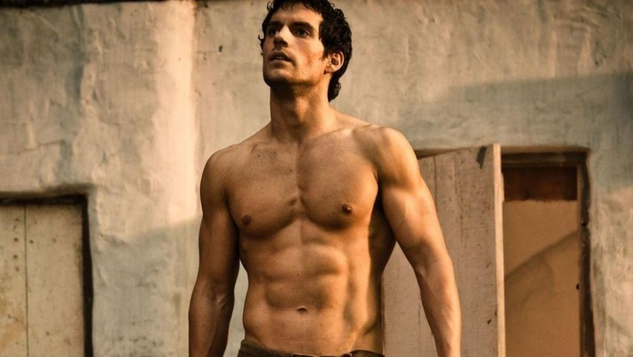 920 henry cavill opens up about his over exciting sex scene 2415