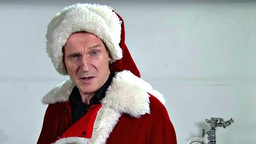Ο Liam Neeson είναι ο Άγιος Βασίλης που δεν θες να μπλέξεις