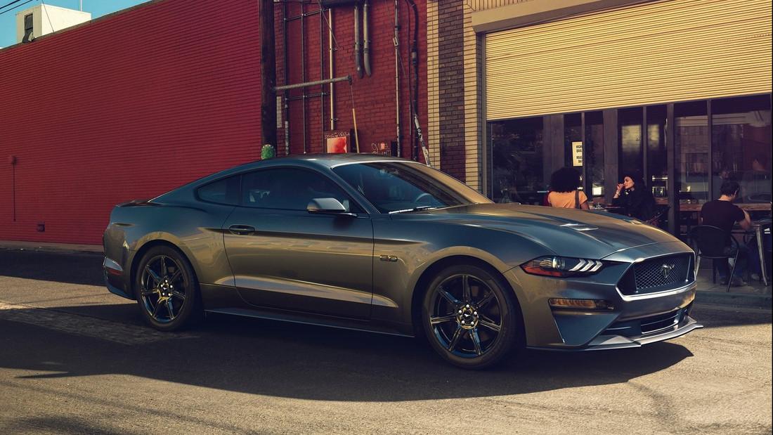 Mustang και τα μυαλά στα κάγκελα