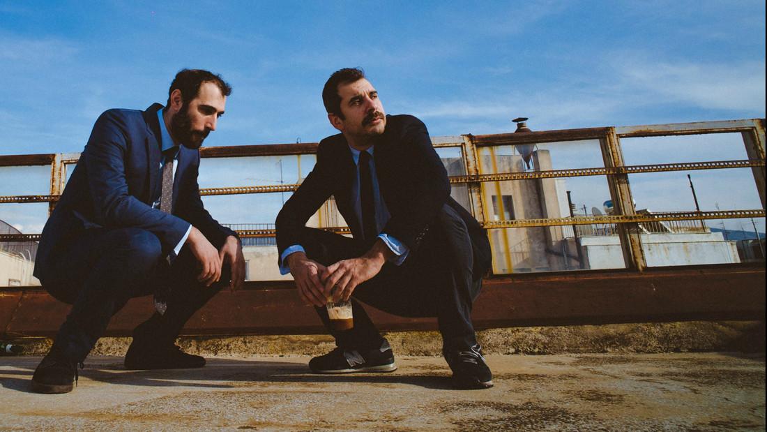 Οι Θεοδωρόπουλος-Μαθιουδάκης κάνουν το πιο τίμιο stand-up εκεί έξω