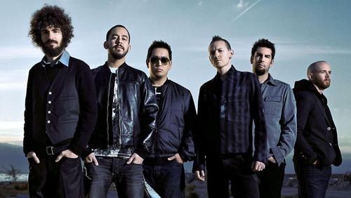 Ακούσαμε το νέο single των Linkin Park και μια αμηχανία τη νιώσαμε