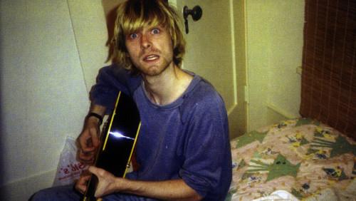 Φαντάζεσαι τον Cobain και τον Hetfield να τραγουδούν στο μπάνιο τους;