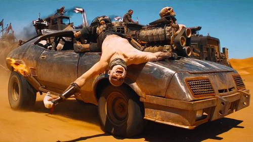 «Ρε Μαξ πότε θα πας το αυτοκίνητο για πλύσιμο;»