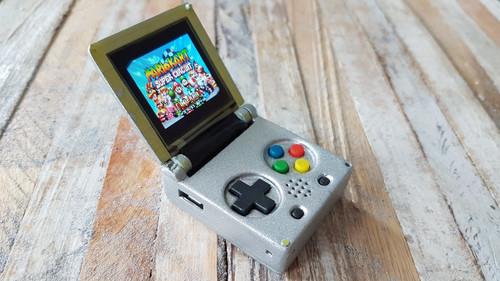 Το μπρελόκ Game Boy είναι το όνειρο κάθε gamer