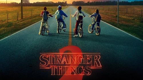 Πώς θα ήταν οι αφίσες Game of Thrones, Stranger Things και Last Jedi αν σχεδιάζονταν στα 80's