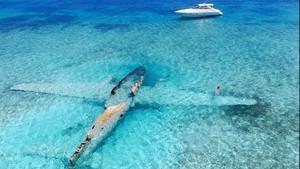 Μια υποβρύχια βολτούλα στο βυθισμένο αεροπλάνο του Πάμπλο Εσκομπάρ