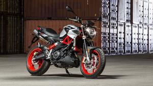 Δεν έχεις δει πιο ωραία γυμνή μοτοσυκλέτα από την Aprilia Shiver 900