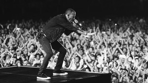 Ένας χρόνος χωρίς των Chester των Linkin Park