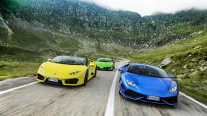 Έξι Lamborghini κάνουν κουμάντο στα Καρπάθια