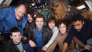 Η Ντενέρις κάνει χαβαλέ με τον Chewbacca στα πλατό του Star Wars