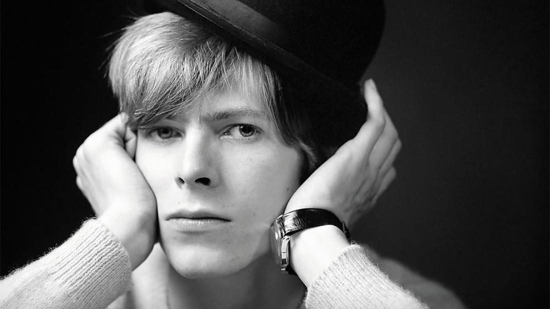 Αδημοσίευτες φωτογραφίες του David Bowie από τα 20 του χρόνια