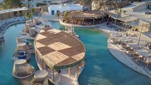 Τώρα πια η MYKONOSSSS έχει τη μεγαλύτερη πισίνα στην Ευρώπη