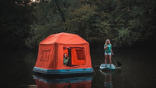 Ψήνεσαι να στήσεις πάνω στη λίμνη;
