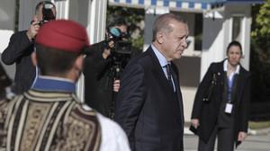 Tι σκέφτονταν οι Τσολιάδες όταν περνούσε από μπροστά τους ο Ερντογάν;