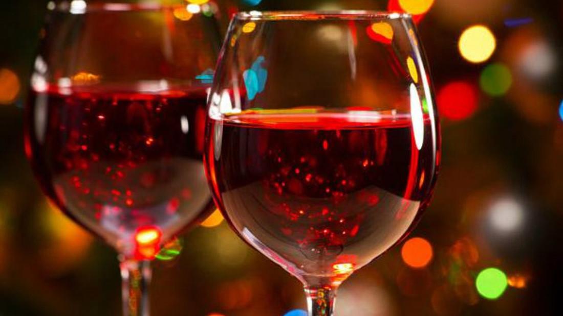 Τι κρασιά θα φέρω ως δώρο στους κολλητούς για τη γιορτή τους;