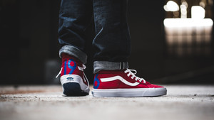 10 sneakers για στιλάτες ανοιξιάτικες εμφανίσεις