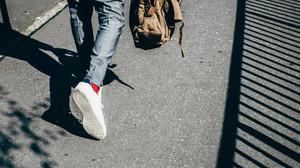 7 sneakers για σένα που θέλεις να κρατήσεις τα πόδια σου στεγνά