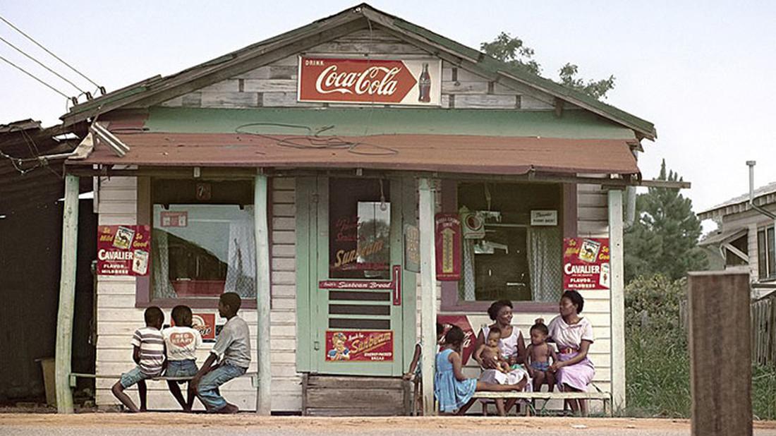 Οι αλλοπρόσαλλες ΗΠΑ των 50s μέσα από 11 κορυφαίες φωτογραφίες