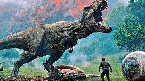 Σε άλλα νέα, ο Chris Pratt τσαμπουκαλεύεται με τυρανόσαυρο
