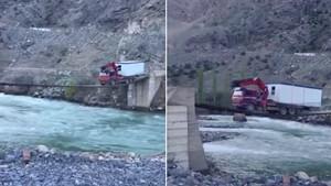 Νταλικέρης με κότσια διασχίζει ετοιμόρροπη γέφυρα