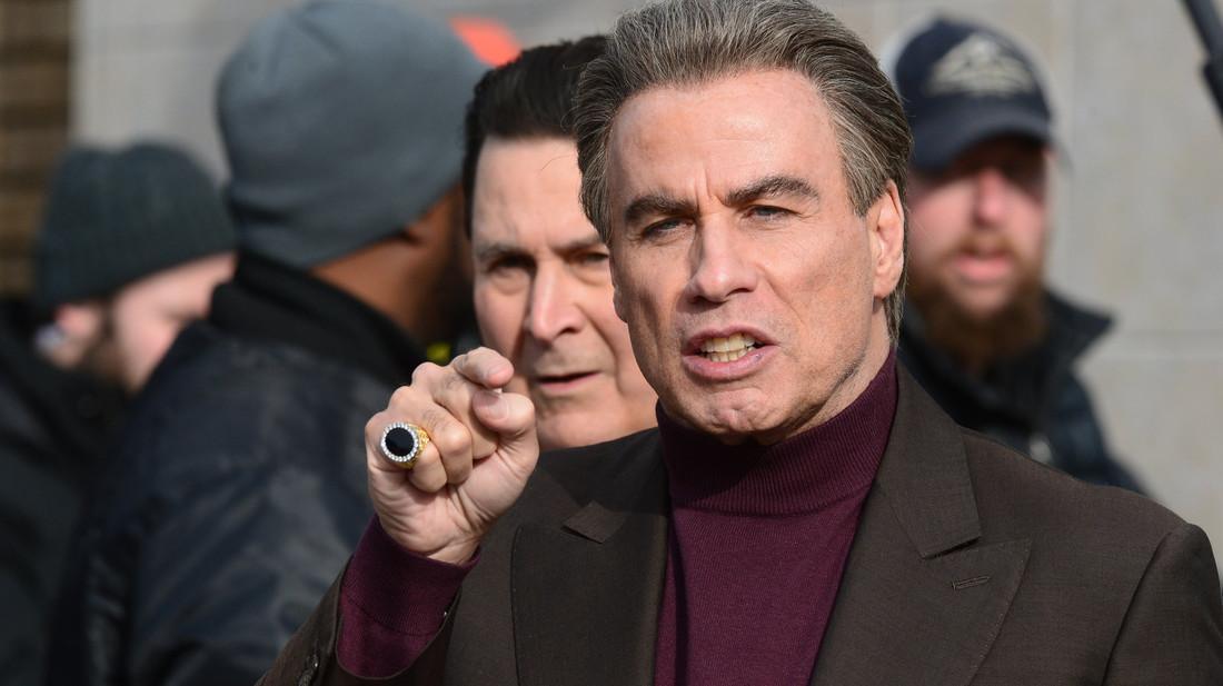 Ο John Travolta δίνει ρέστα στο πρώτο clip του Gotti