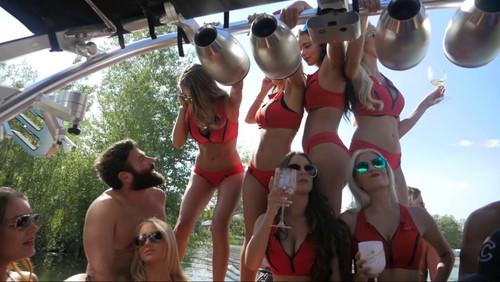 Κυκλοφόρησε βιντεάκι από ένα ακόμη μυθικό πάρτι του κονιόρδου Dan Bilzerian