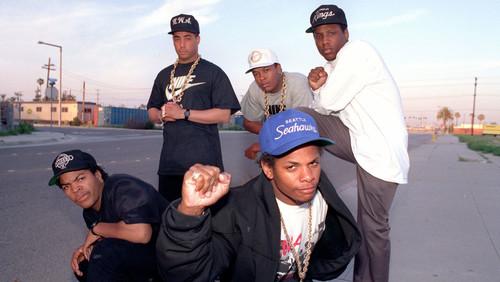 7 τραγούδια των N.W.A που καθόρισαν το hip hop της εποχής μας