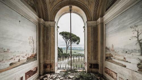 Η άγρια ομορφιά των εγκαταλελειμμένων κτιρίων