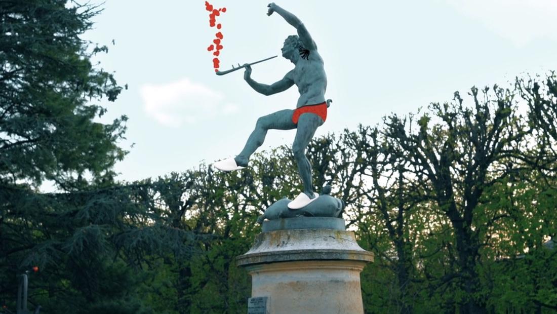 Πόσο χιούμορ μπορεί να κρύβει μέσα του το Παρίσι;