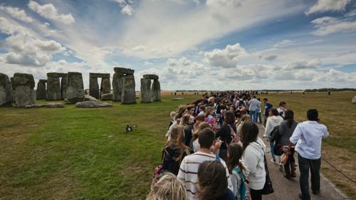 Ο πρώτος καλλιτέχνης στην ιστορία που θα δώσει συναυλία στο Stonehenge