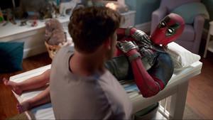 Το Blu-Ray τρέιλερ του Deadpool δεν θα σου αφήσει αμυγδαλή