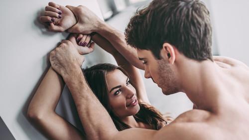 Έρευνα αναφέρει πως οι γυναίκες γουστάρουν το άγριο σεξ περισσότερο από τους άντρες