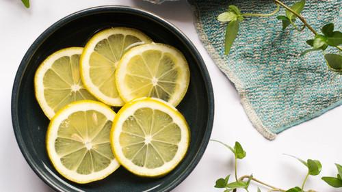 Τρεις τρόποι για να κάνεις τον φούρνο μικροκυμάτων να λάμψει!