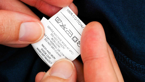 Αποκρυπτογράφηση: τι σημαίνουν τα σύμβολα στις ετικέτες των ρούχων σου;