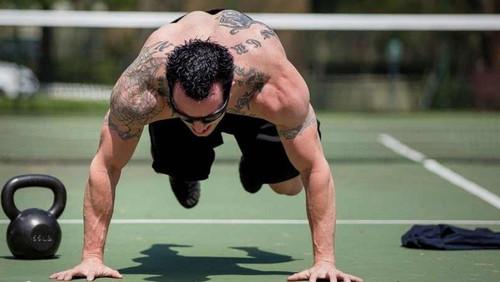 5 ασκήσεις CrossFit για να κάψεις λίπος σε 3 λεπτά