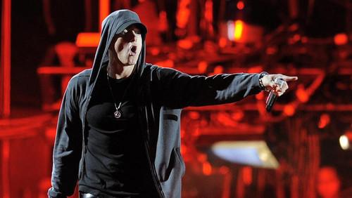 Το Spotify έβγαλε λίστα με τα 5 πιο δημοφιλή τραγούδια που ακούν οι χρήστες όταν γυμνάζονται