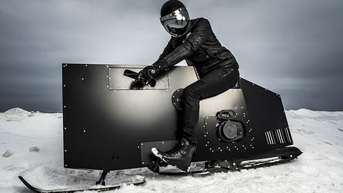 Το snowmobile που δεν καταλαβαίνει από «Τηλέμαχους» και «Σοφίες»