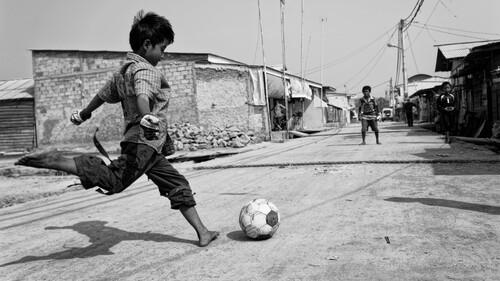 Η πρώτη μπάλα που ερωτεύτηκα ως Πιτσιρικάς