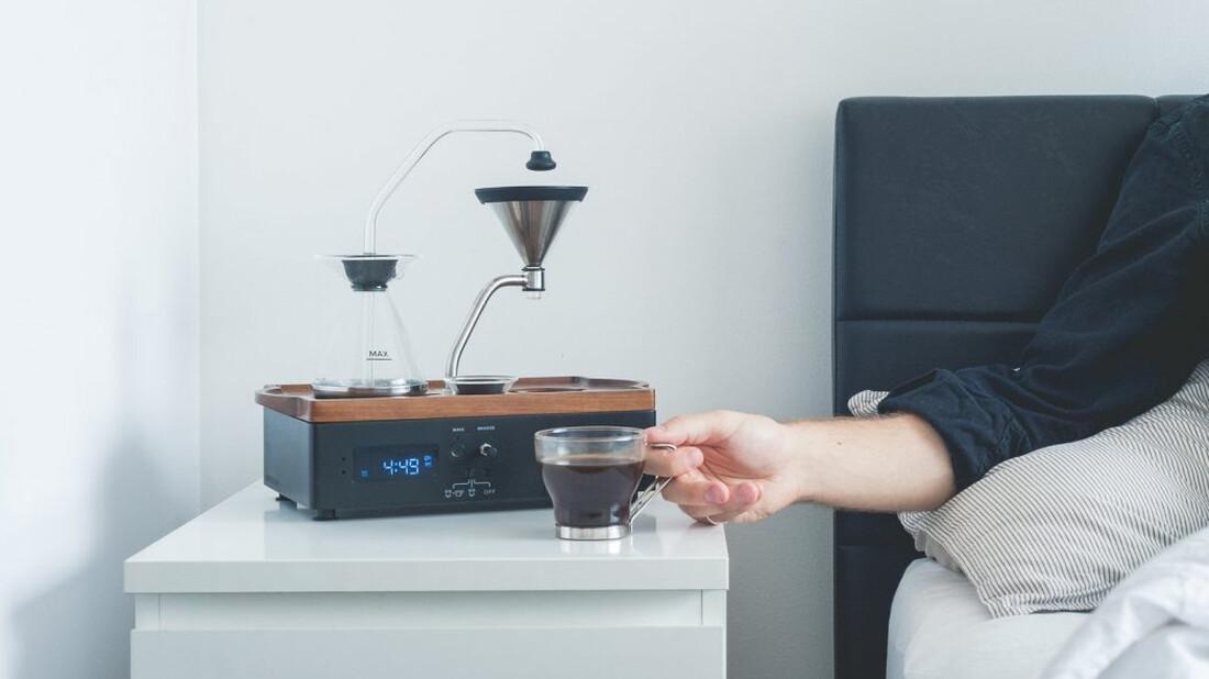 Η καλή μέρα από το ξυπνητήρι που σου φτιάχνει καφέ φαίνεται