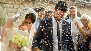 Όταν γράφεις τη λέξη «Γάμος», σβήνεις τη λέξη «εγωϊσμός»