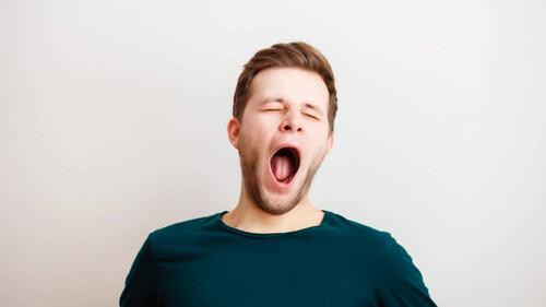 Γιατί χασμουριόμαστε όταν βλέπουμε άλλους να κάνουν το ίδιο;