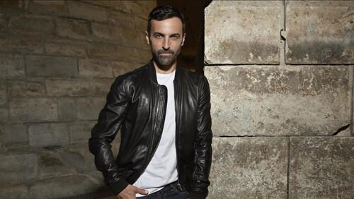 Η νέα τάση που πρέπει να γνωρίζεις για το leather jacket σου