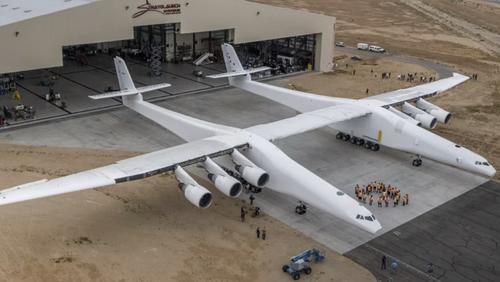 Μία ματιά στο μεγαλύτερο αεροπλάνο που δημιουργήθηκε ποτέ