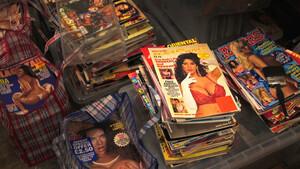 Εσύ τι θα έκανες αν κάποιος πετούσε τα ερωτικά περιοδικά σου;